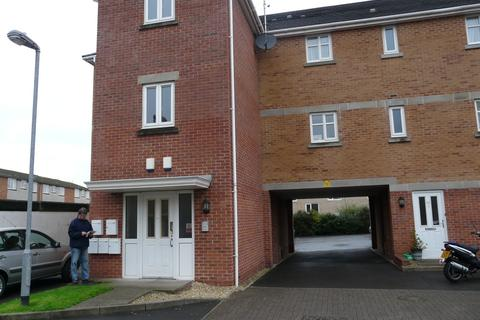 2 bedroom flat to rent - Finnimore Court, Station Road, Cardiff
