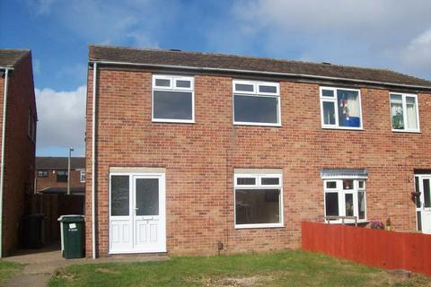 3 bedroom semi-detached house to rent - Beverley Close, Holton Le Clay, Grimsby, North East Lincolnshire, DN36