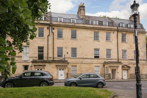 4 bedroom apartment to rent - Queens Parade, Bath