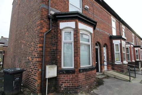5 bedroom end of terrace house to rent - Croft Street, Salford