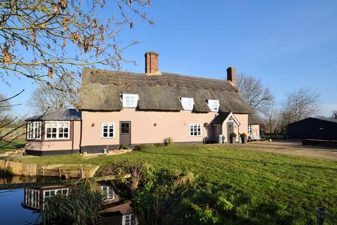 4 bedroom farm house for sale - Wickham Road, Thwaite