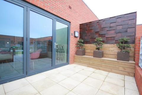 2 bedroom penthouse to rent - Kettleworks, Pope Street, Jewellery Quarter, B1