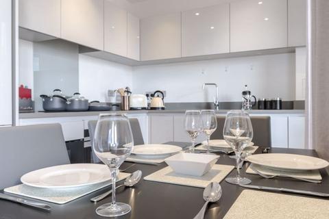 2 bedroom flat to rent - St Johns Way, SW11