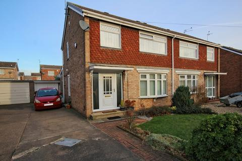 3 bedroom semi-detached house for sale - Springdale Close, Willerby, Hull, HU10