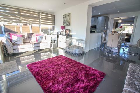3 bedroom semi-detached house for sale - Stirling Avenue, Hazel Grove, Stockport, SK7
