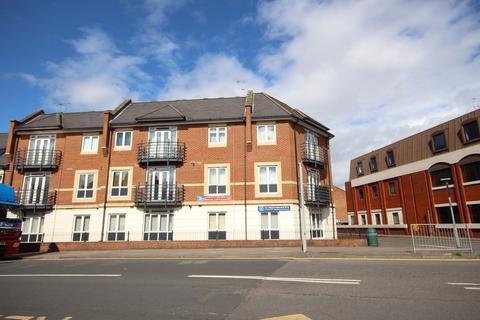 2 bedroom apartment to rent - Henley Court, Denham Road