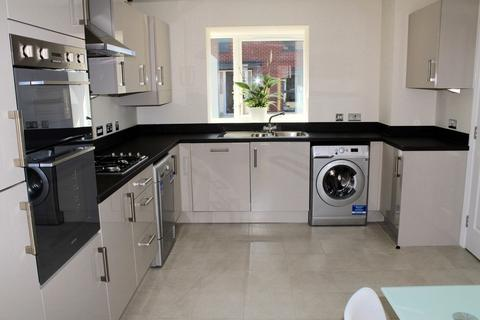 3 bedroom semi-detached house to rent - Greenfinch Road, Coventry