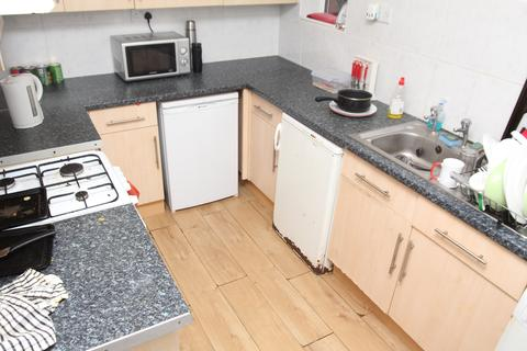 4 bedroom house to rent - Heathfield Villas, Treforest,