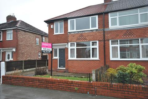 3 bedroom semi-detached villa for sale - Blandford Road, Eccles, Manchester M30