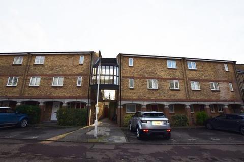 1 bedroom flat for sale - Woodstock Crescent, Laindon SS15