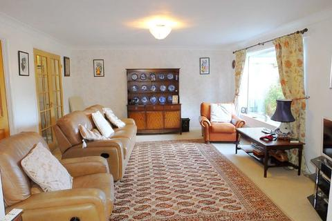 3 bedroom detached house for sale - Dore Road, Dore, Sheffield, S17 3HB