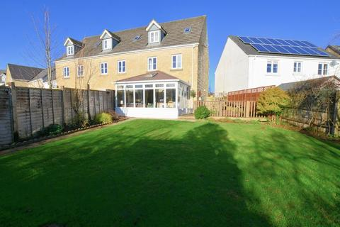4 bedroom end of terrace house for sale - Four Bedroom Town House In A Popular Development