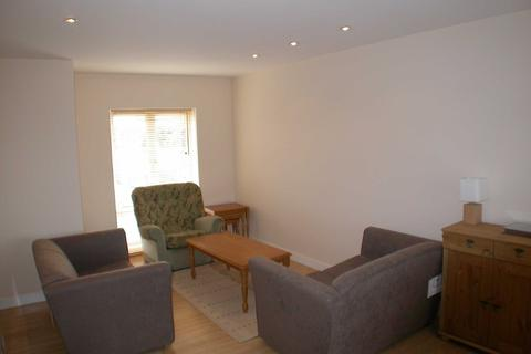 2 bedroom apartment to rent - Rolls Crescent, Hulme, Manchester, M15