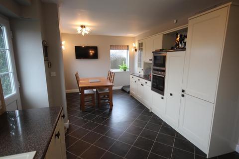 3 bedroom semi-detached house to rent - Derwent Road, Dronfield