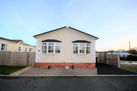 2 bedroom mobile home for sale - Ellis Drive, Oakfield Park
