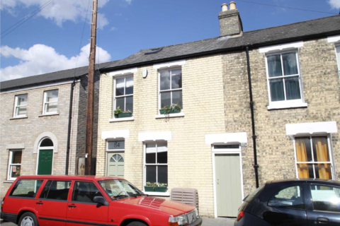 3 bedroom end of terrace house to rent - York Street