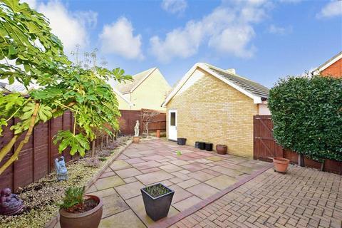 4 bedroom semi-detached house for sale - Belfry Drive, Hoo, Rochester, Kent