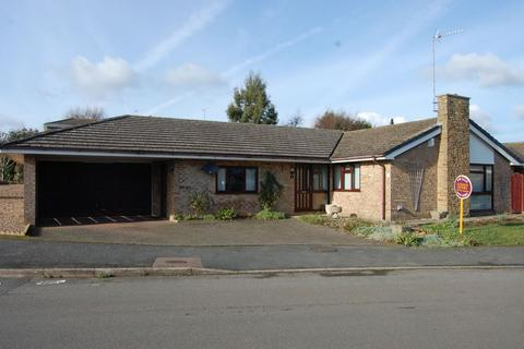 4 bedroom detached bungalow for sale - High Stack, Long Buckby, Northampton NN6 7QT