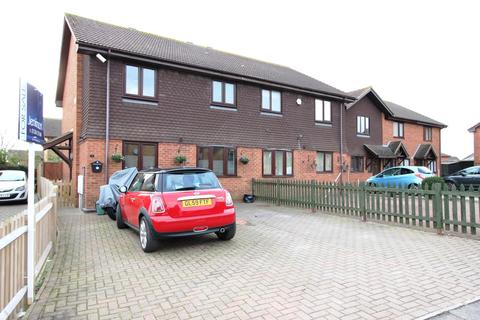 3 bedroom semi-detached house for sale - Courtenay Road, Deal, CT14