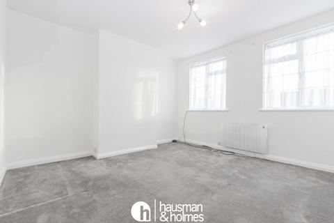 2 bedroom flat to rent - The Market Place, Hampstead Garden Suburb