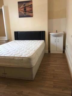 4 bedroom detached house to rent - Vincent street, Swansea