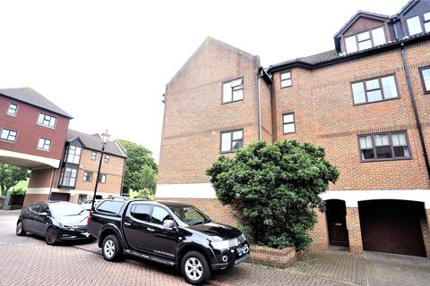 3 bedroom end of terrace house to rent - Hathaway Court, Esplanade, Rochester