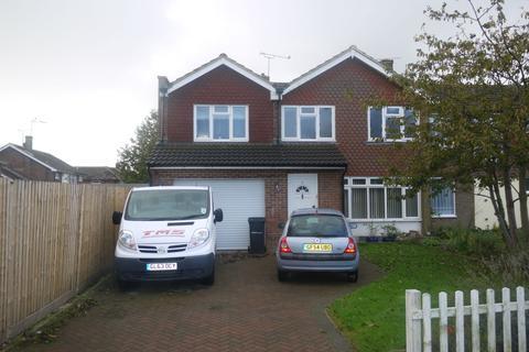 4 bedroom detached house to rent - Hatch Road, Lenham, Maidstone, ME17