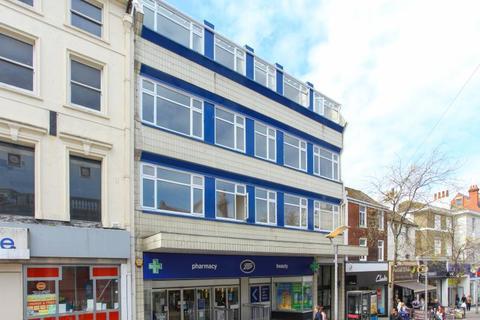 2 bedroom flat to rent - Sandgate Road, Folkestone, CT20