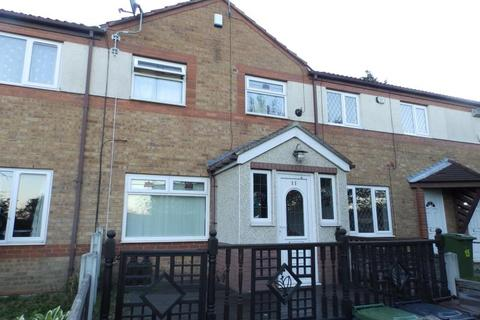 3 bedroom townhouse for sale - RAYNVILLE WALK, BRAMLEY, LEEDS, LS13 2QQ