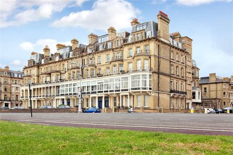 2 bedroom flat for sale - Kings Gardens, Hove, East Sussex, BN3