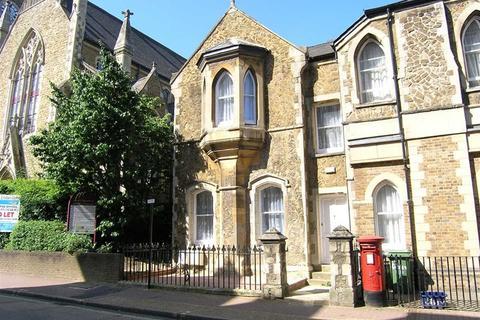 2 bedroom apartment to rent - Grosvenor Road, Aldershot