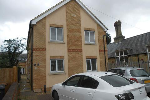 2 bedroom house for sale - Queens Drive West, Peterborough
