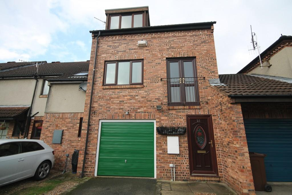 2 Bedrooms Town House for rent in Ridgewood Close, Baildon