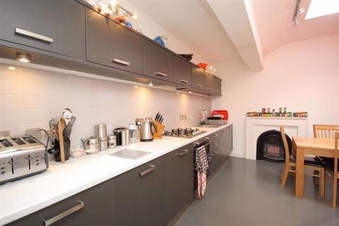 4 bedroom flat to rent - Leopold Place, Edinburgh
