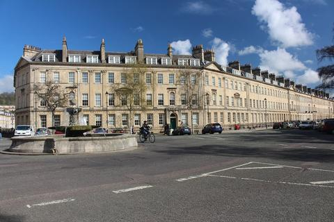1 bedroom flat to rent - Connaught Mansions
