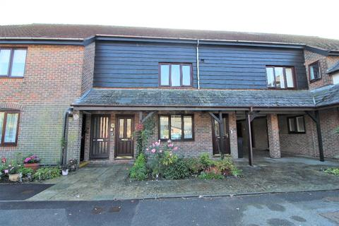 1 bedroom flat for sale - Swallow Court, Clanfield, PO8
