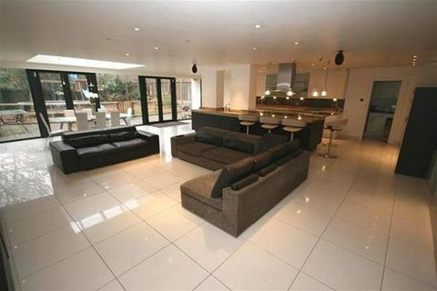 7 bedroom detached house to rent - New Hall Road, Broughton Park, Salford