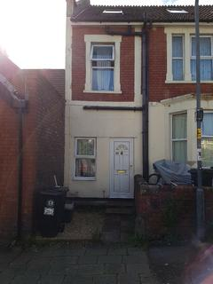 1 bedroom flat to rent -  trotworth Road  BS7