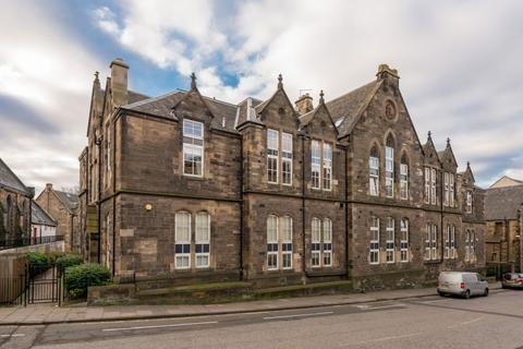 3 bedroom duplex for sale - 37/7 Rodney Street, Edinburgh, EH7 4EL