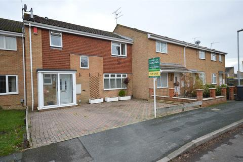 3 bedroom house for sale - Crawford Close, Freshbrook, Swindon, Wiltshire, SN5