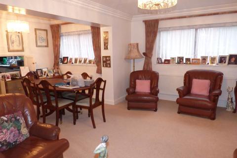 2 bedroom flat to rent - Spencer Close, Regents Park Road, Finchey Central, N3