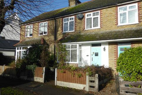 4 bedroom terraced house to rent - Wheatley Road, Whitstable