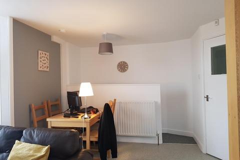 Studio to rent - Heaton Road, Heaton, NEWCASTLE UPON TYNE NE6