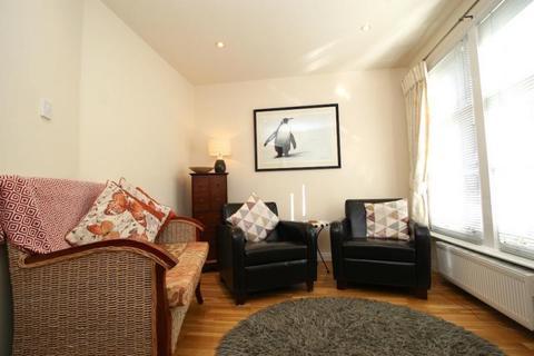 2 bedroom house to rent - York Lane, Edinburgh EH1