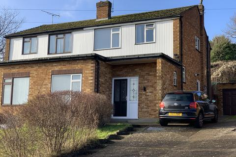 1 bedroom house share to rent - Mayhew Crescent, High Wycombe HP13