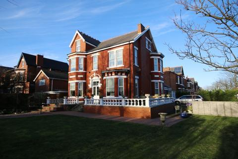 8 bedroom detached house for sale - Scarisbrick New Road, Southport