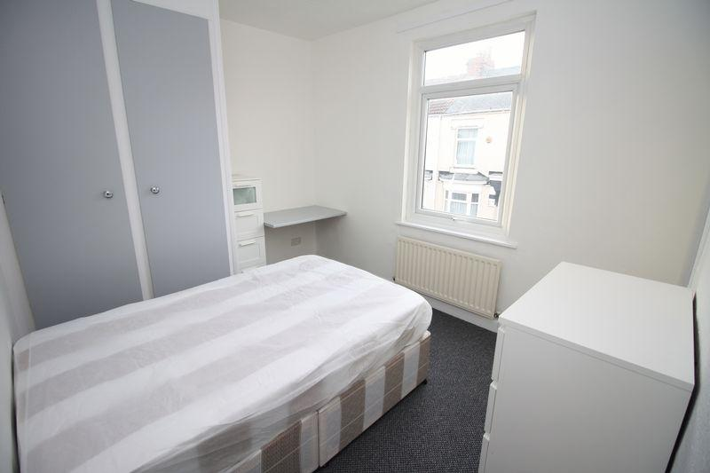 Pelham Street Middlesbrough 4 Bed Property To Rent 1300 Pcm - Black-and-white-bedroom-property
