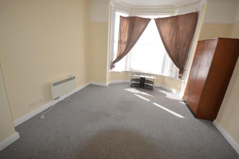 Studio to rent - Flat 1, Westleigh Road, Leicester, LE3