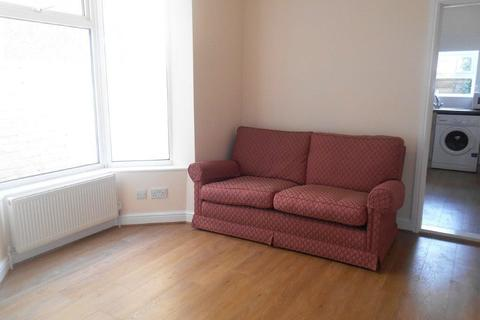 4 bedroom terraced house to rent - *NO STUDENT FEES 2020*Walmer Road, Portsmouth
