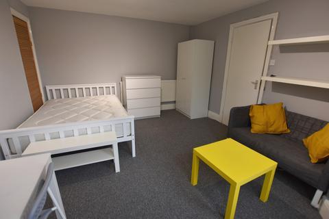 2 bedroom ground floor flat to rent - 104 Raleigh Street Nottingham NG7